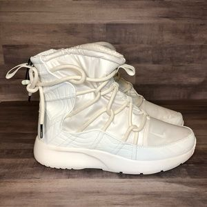 Nike Womens Tanjun Winter Snow Boots AO0355-003